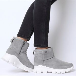 UGG   Palomar Sneaker Boots In Seal Size 10 NEW